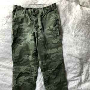 Gap Camo Girlfriend chino sz 6